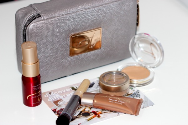 A Jane Iredale Starter Kit Could Easily Be Yours!