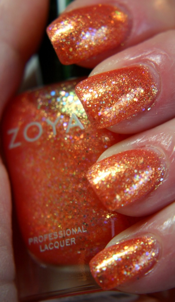 Zoya Bubbly Jesy Polish.jpg