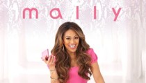 Take a Selfie with Mally Roncal from Mally Beauty!